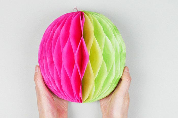 Большие шары из гофрированной бумаги своими руками пошагово. как сделать шар из бумаги