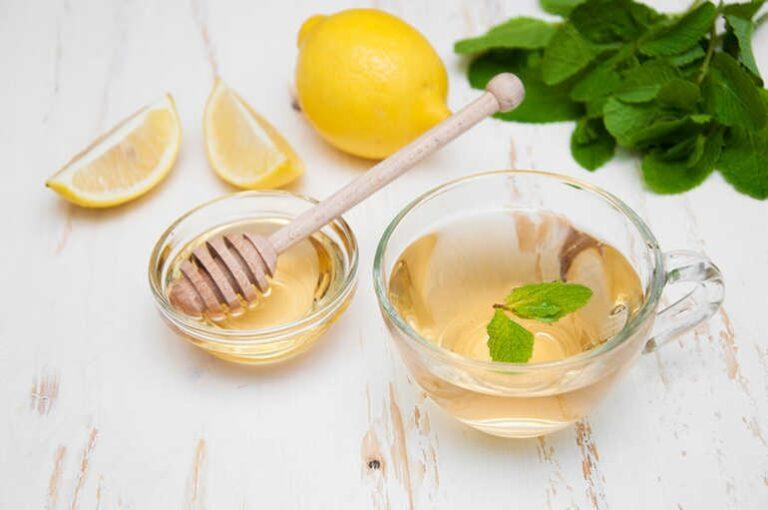 Мед и лимон иммунитет укрепляют, болезни и вес навек изгоняют!
