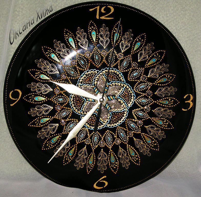 Точечная роспись часов, из виниловой пластинки.