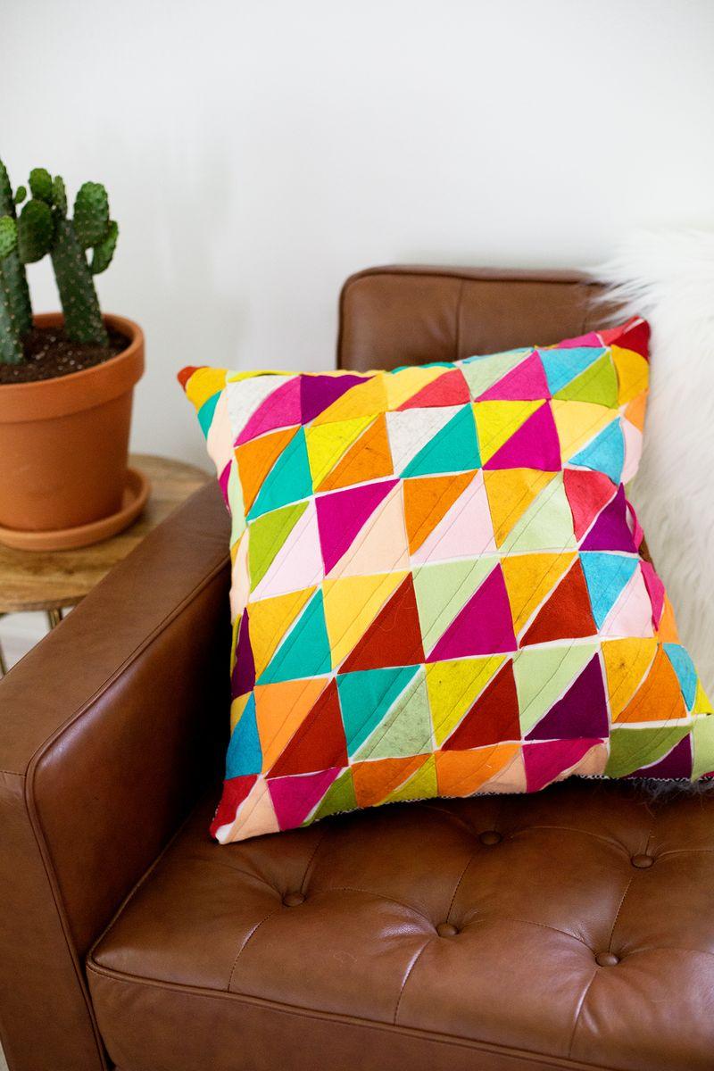 Декоративные подушки своими руками, как сшить думку