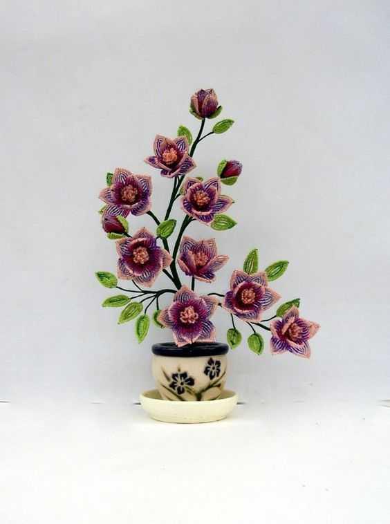 Цветы из бисера, 4 варианта