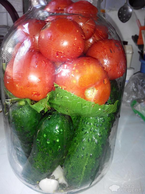 Салат из помидоров и огурцов на зиму – кулинарный рецепт