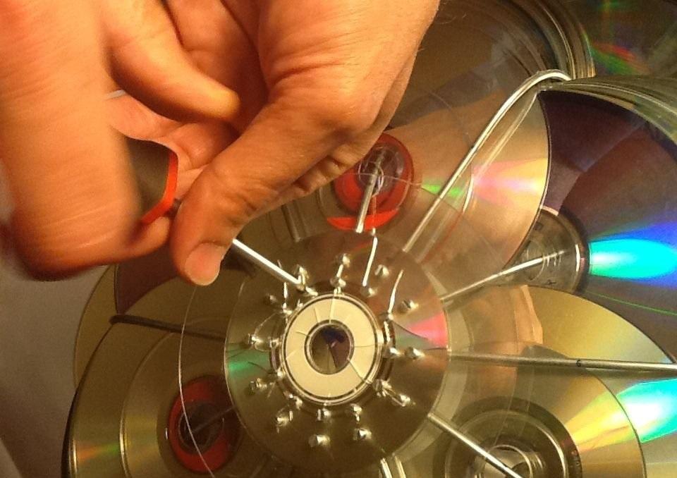 Поделки из дисков: поэтапный мастер-класс по созданию своими руками, креативные идеи поделок разной сложности + простые схемы для начинающих