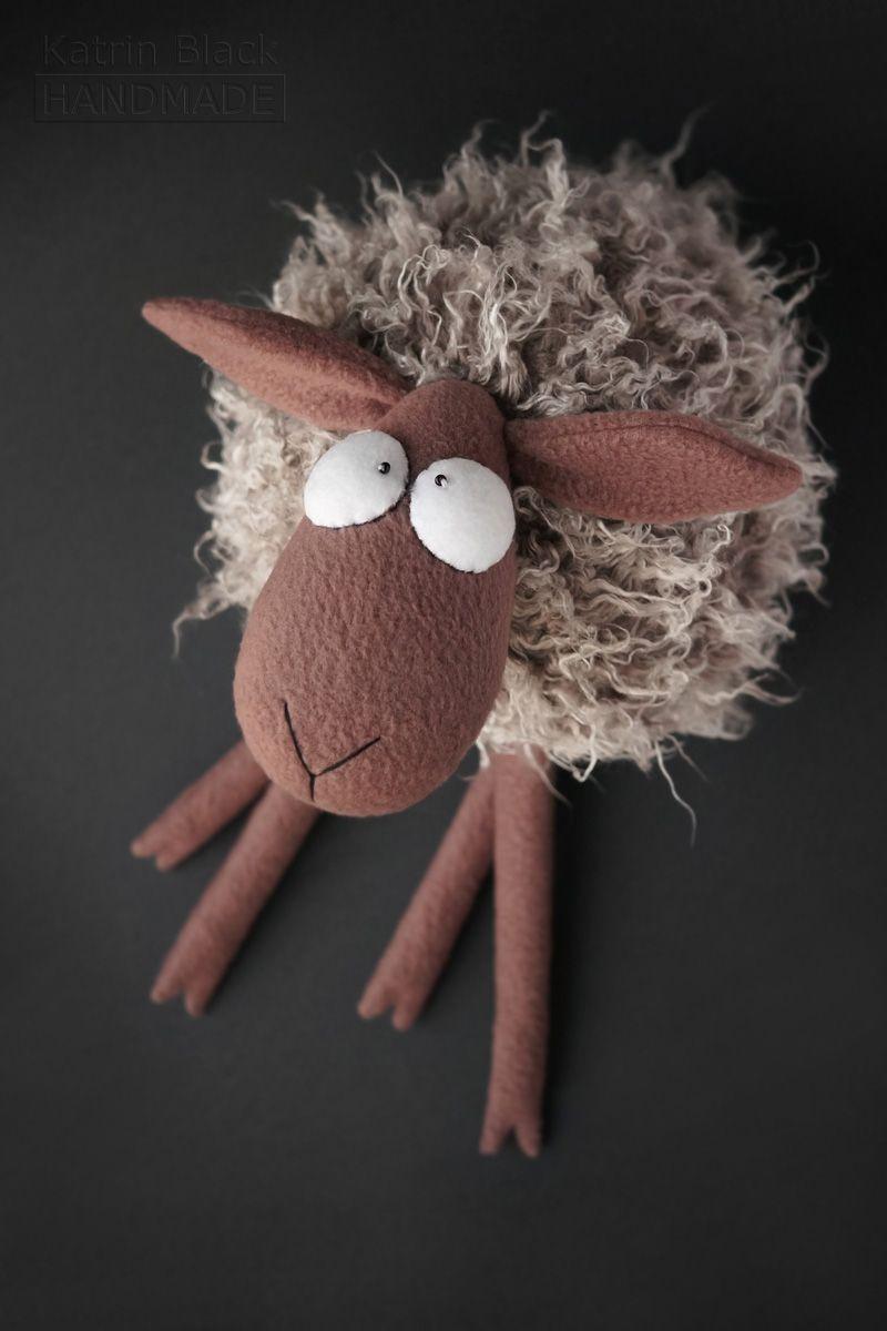 Овечка из фетра выкройка. как сшить сувенирную овечку из фетра. игрушка из фетра — овечка. мастер-класс