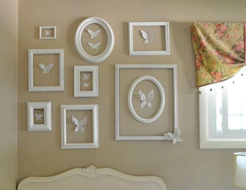 Рамки из потолочного плинтуса (45 фото): как сделать их для картины своими руками? рамки на стене под обои и другие идеи