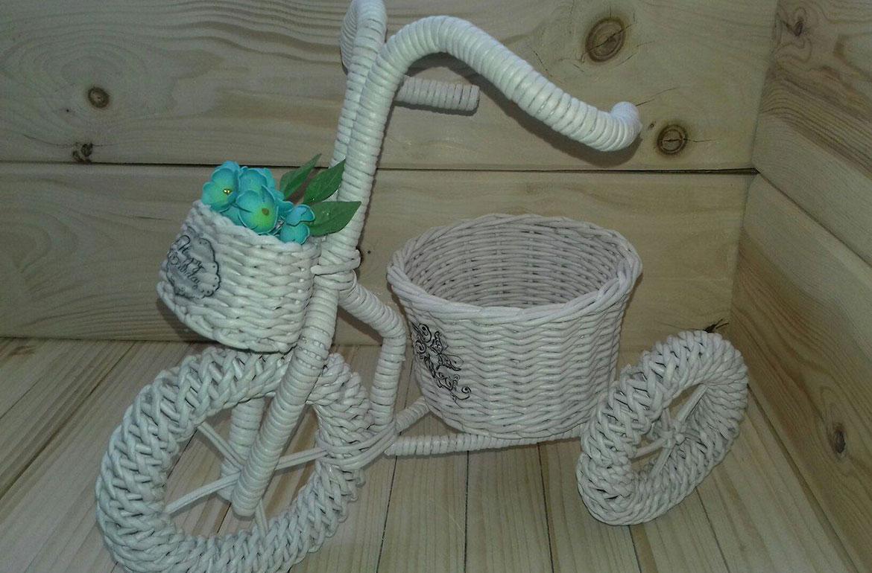 Кашпо из газетных трубочек своими руками (19 фото): плетение модели без дна для цветов. пошаговая техника изготовления плетеного кашпо-велосипеда из газет на стену