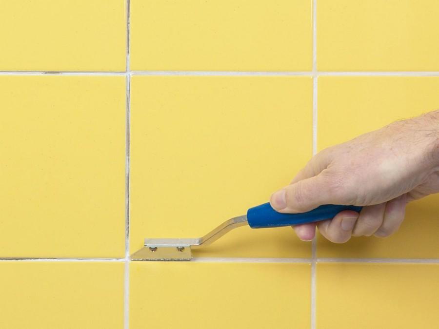 Как правильно затирать швы плитки?