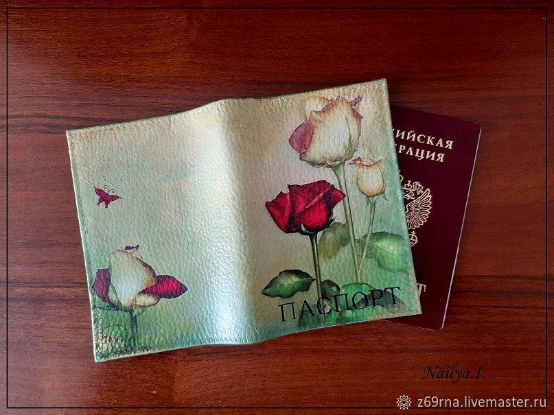 Обложки для паспорта из кожзаменителя в технике декупаж