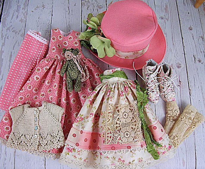 Как сшить платье для куклы с пышной юбкой и различными декоративными элементами своими руками