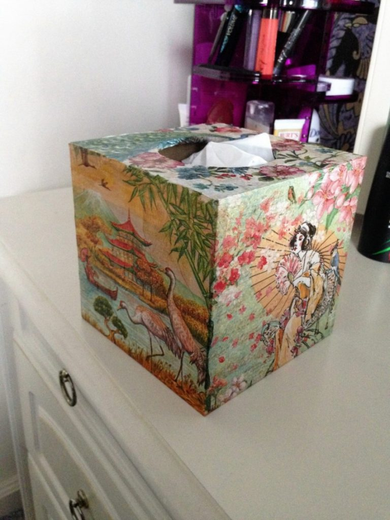 Декупаж на картоне (23 фото): как делать декупаж из салфеток на картоне пошагово? мастер-классы для начинающих