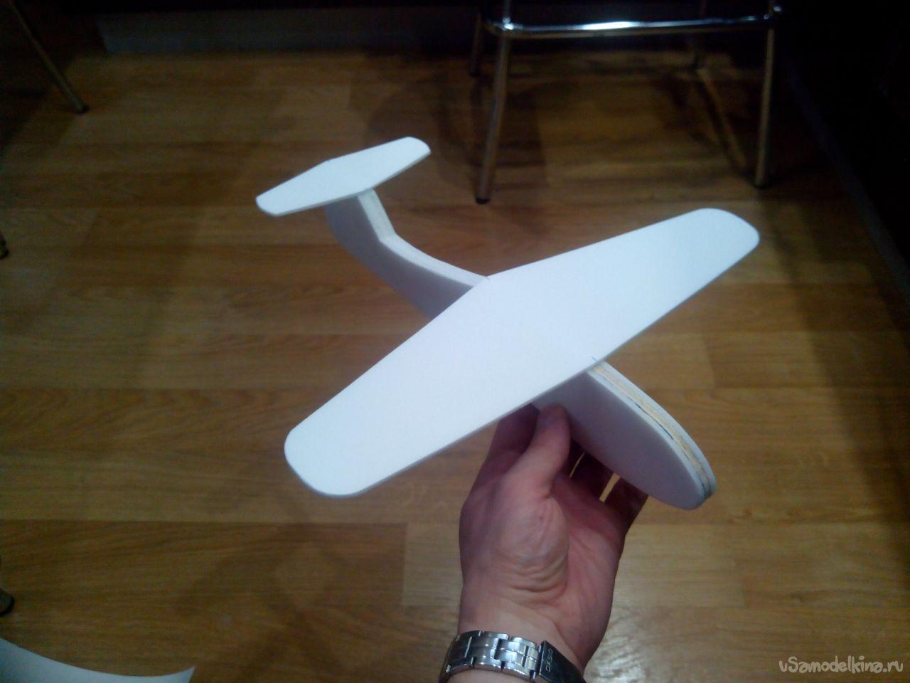 Модели самолётов из потолочной плитки своими руками. авиамодели из потолочной плитки своими руками – видео обзор и пошаговая инструкция. пилотажная модель самолета из потолочной плитки
