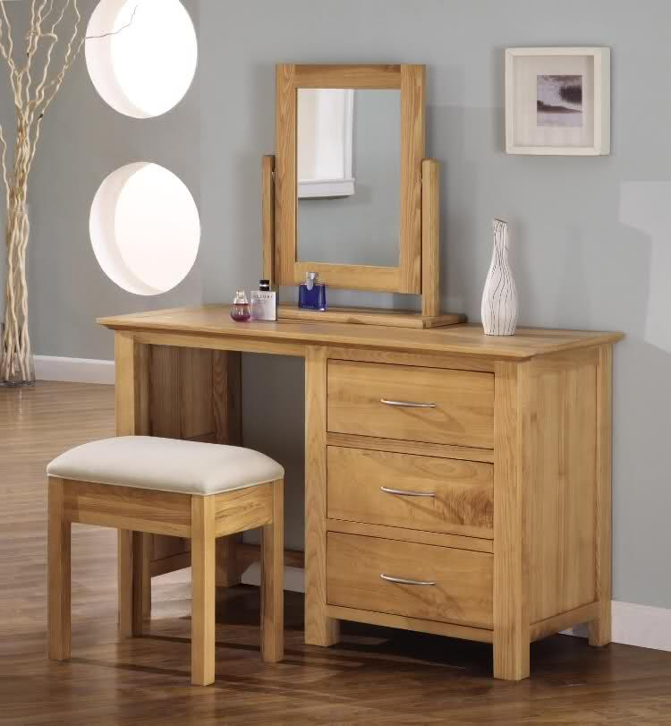 Туалетный столик с зеркалом с подсветкой: высота, размеры (70 фото)