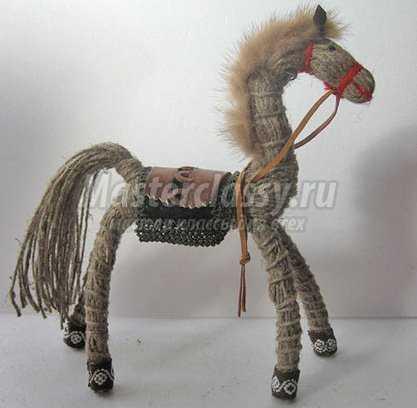 Лошадь по фен шуй значение: изображение, статуэтка, куда ставить