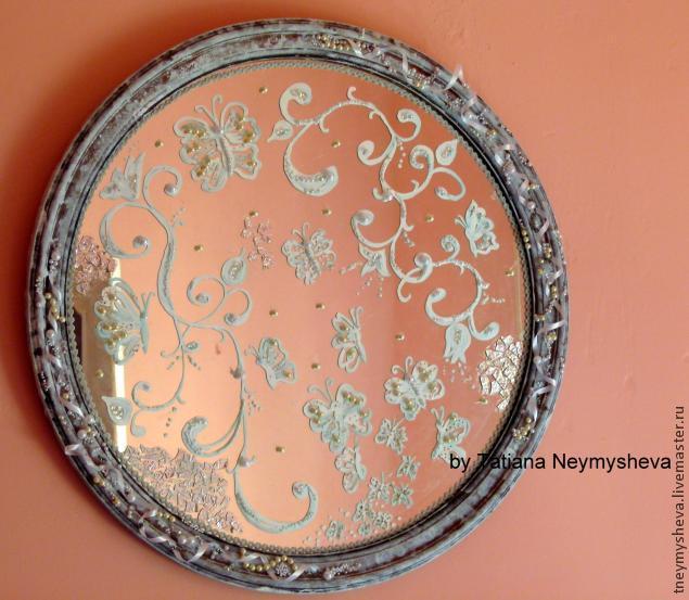 Декорирование зеркальца из пудреницы