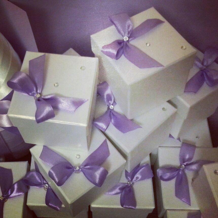 Как сделать своими руками бонбоньерки на свадьбу для гостей: детские бумбончики, новогодние, из фатина