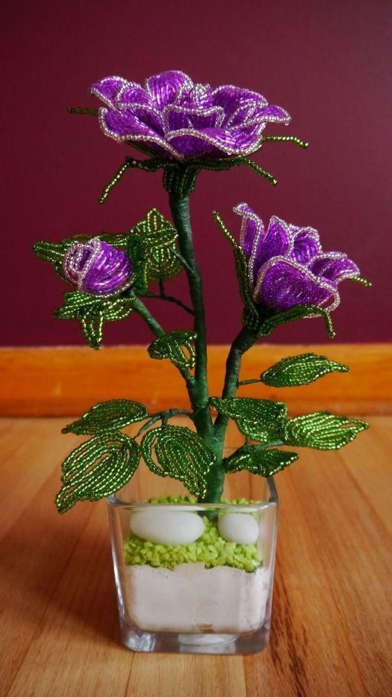 Цветы из бисера, 4 варианта — коробочка идей и мастер-классов