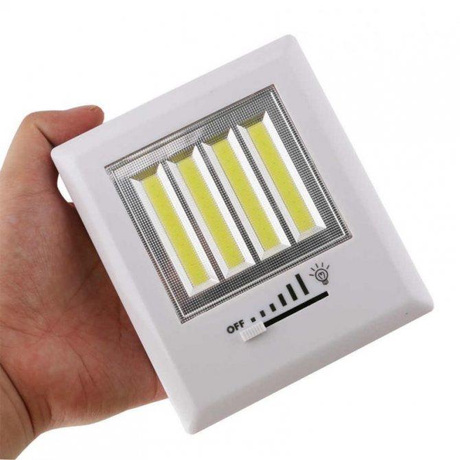 Как сделать светящуюся в темноте лампу без электричества