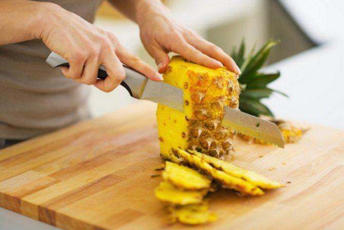 Классические и необычные способы почистить и нарезать ананас