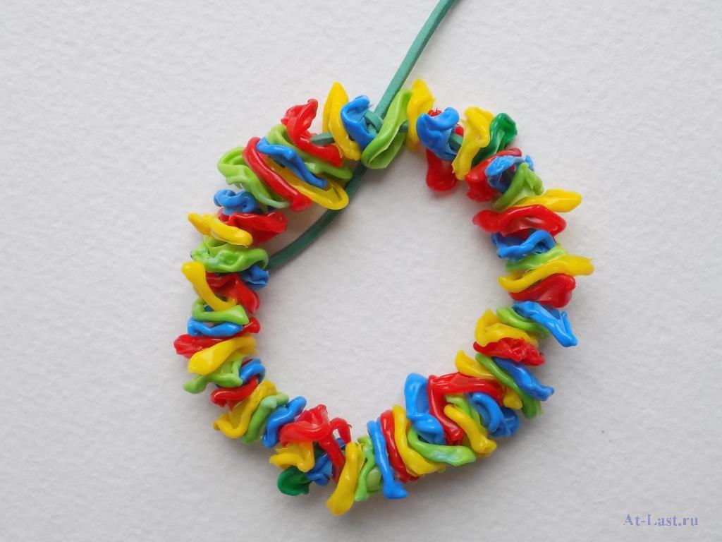 Как плести красивый браслет из пластиковых трубочек