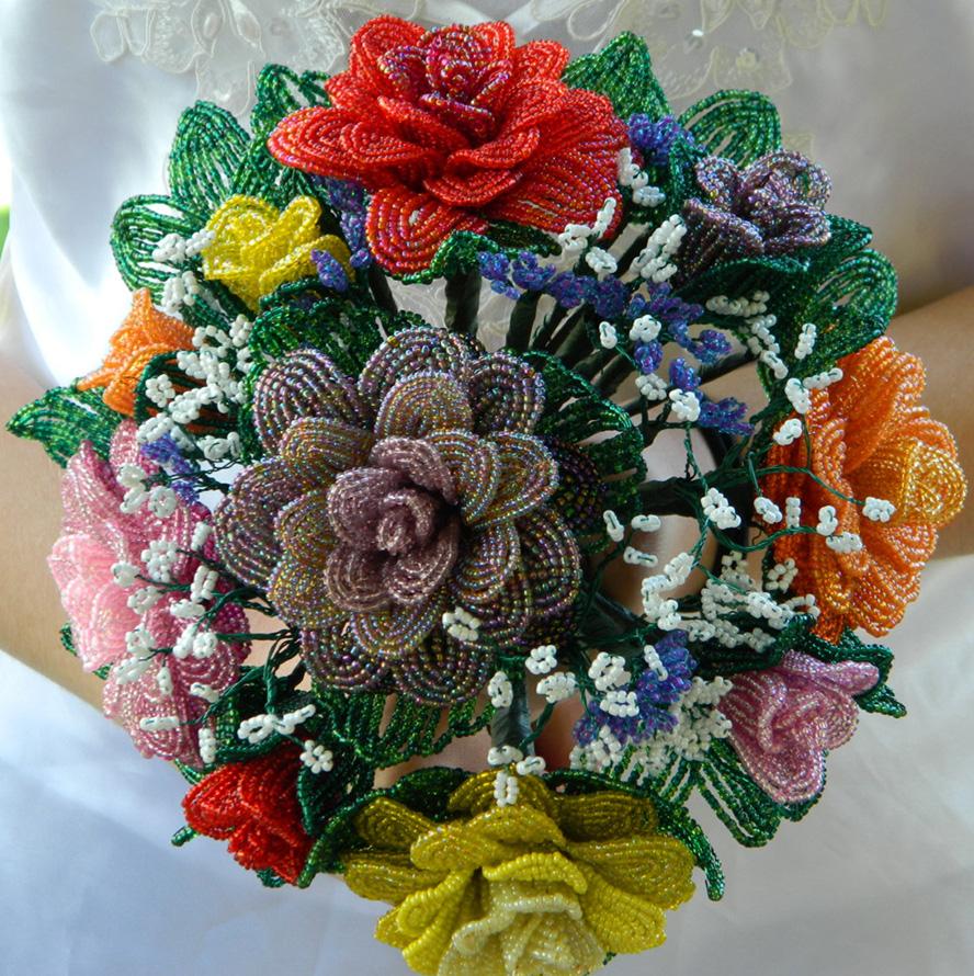 Пошаговый урок по плетению цветочных букетов и композиций из бисера