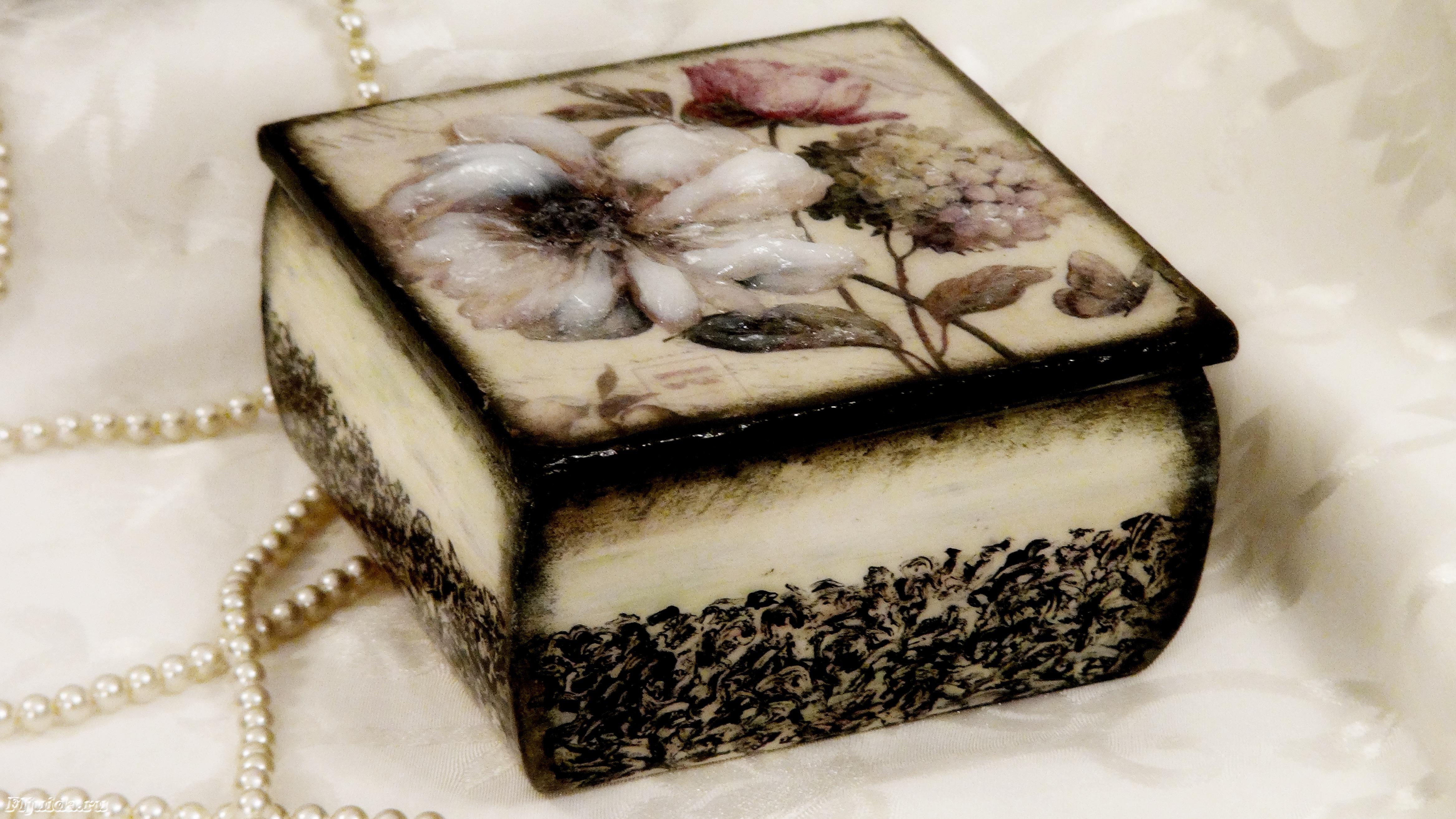 Декупаж коробок: идеи и пошаговый мастер-класс как выполнить красивые украшения из коробок (125 фото)