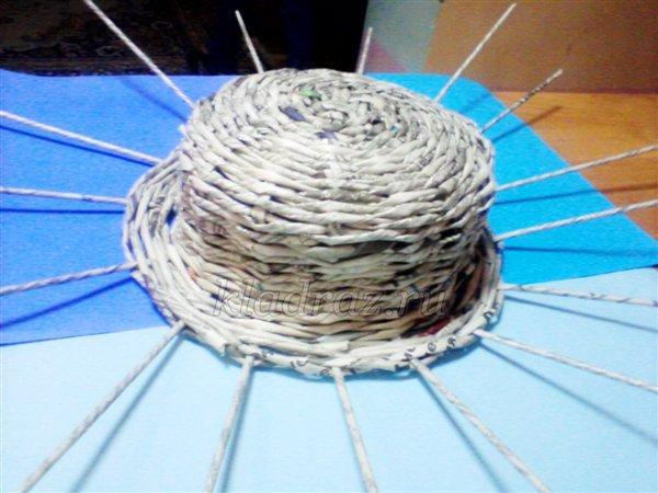 Шляпа из газетных трубочек своими руками. мастер-класс с пошаговыми фото - справочник педагога