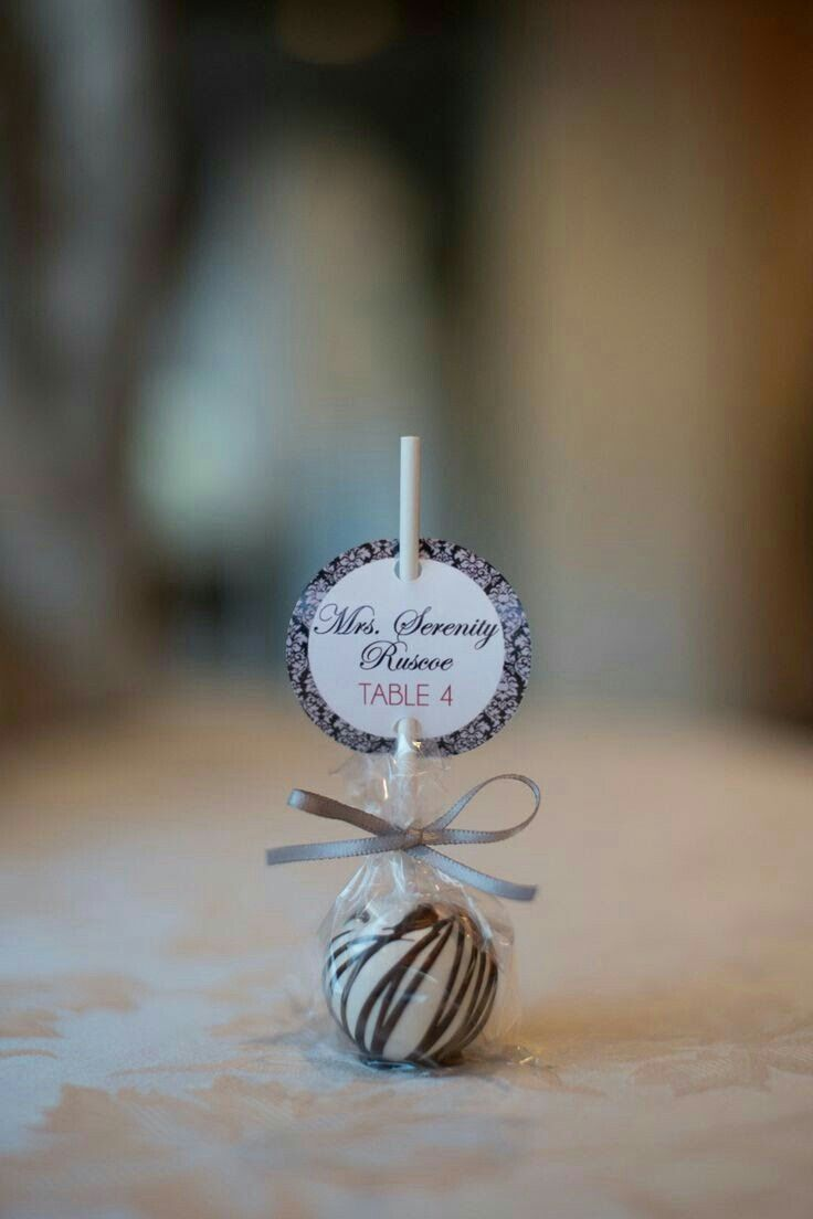 Рассадочные карточки-ракушки для морской свадьбы