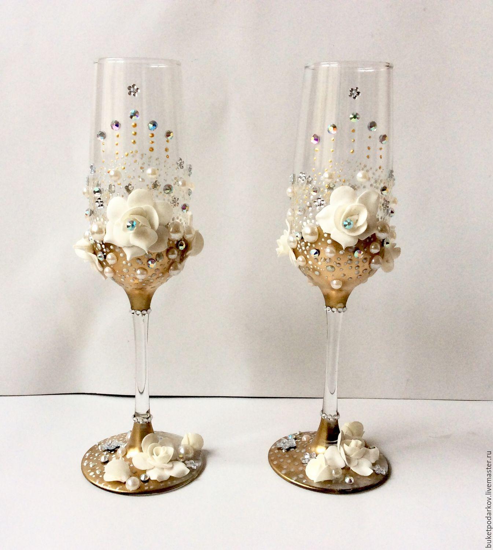 Украшение бокалов своими руками: варианты дизайна свадебных бокалов. фото с примерами украшенных бокалов: кружевом, полимерной глиной, лентами, стразами, цветами