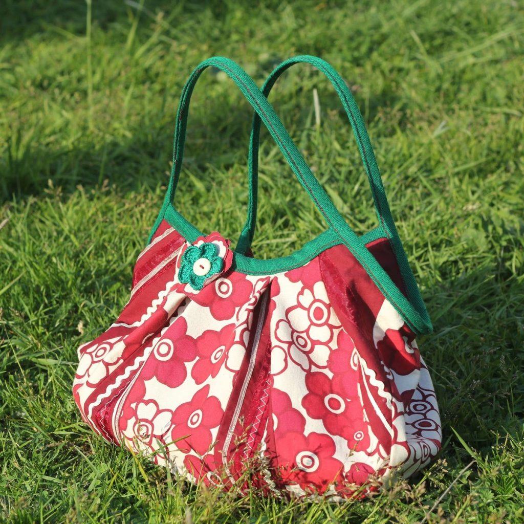 Летние сумки, отличительные особенности, цветовая гамма, декор