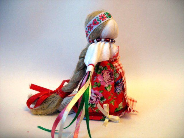 Как и почему делают куклы-обереги на здоровье своими руками?