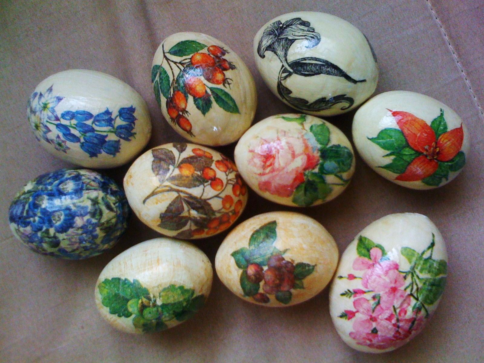 Как сделать декупаж декоративных пасхальных яиц