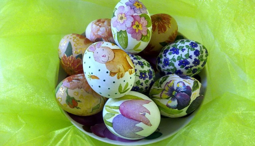 Декупаж пасхальных яиц желатином, салфетками, яичным белком: 95 фото, видео, мастер класс