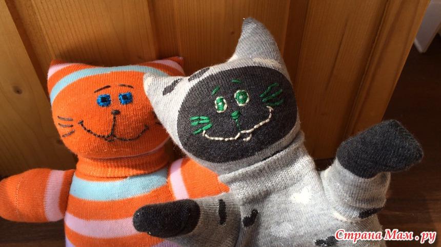 Котенок из носочков