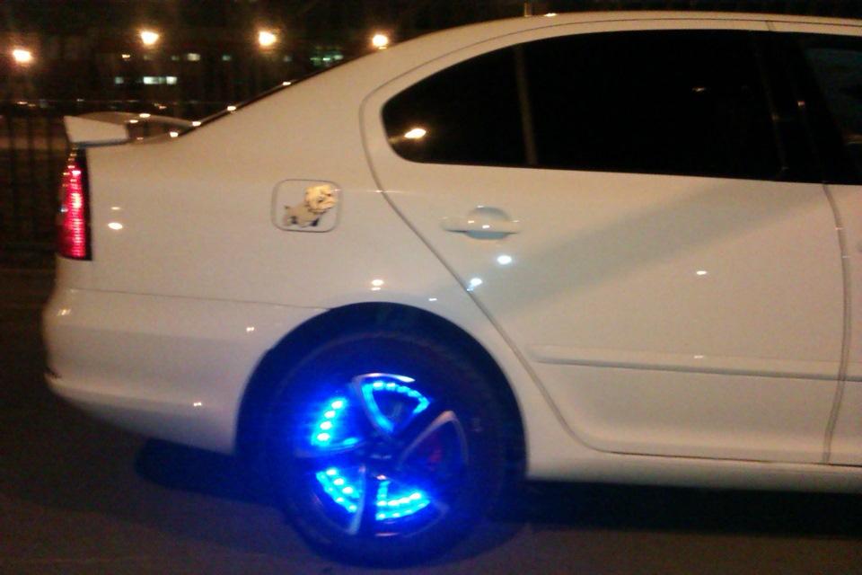 Подсветка дисков автомобиля – инструкция по яркому тюнингу колес