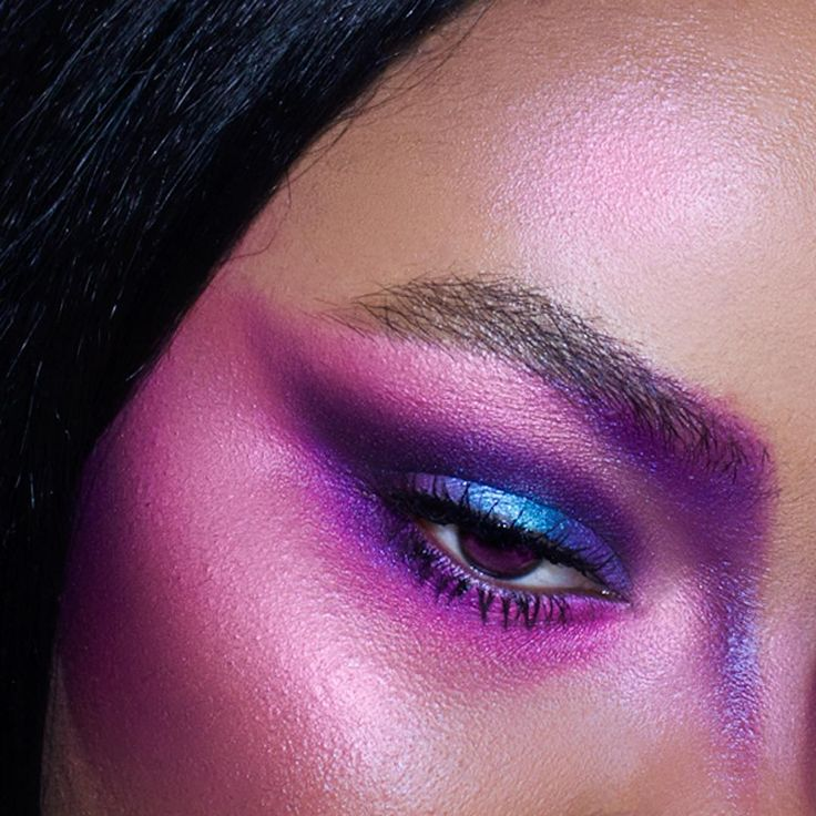 Фиолетовая спальня - 150 фото лучших новинок дизайна спальни фиолетового цвета