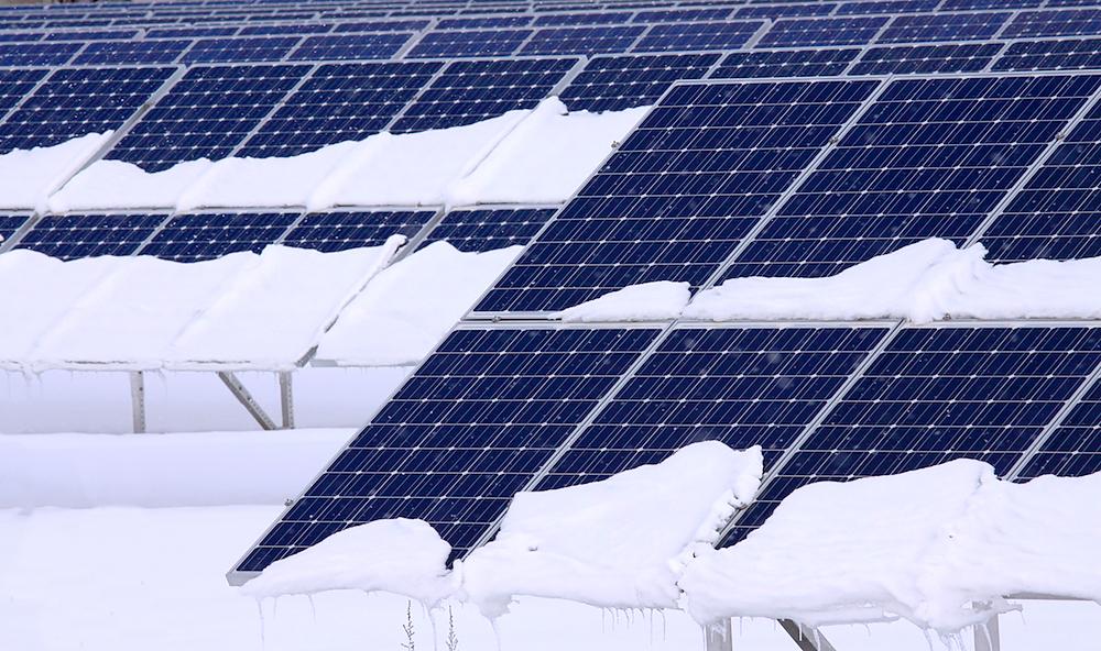 Влияние облачности и пасмурной погоды на работу солнечных батарей. солнечные батареи за стеклом