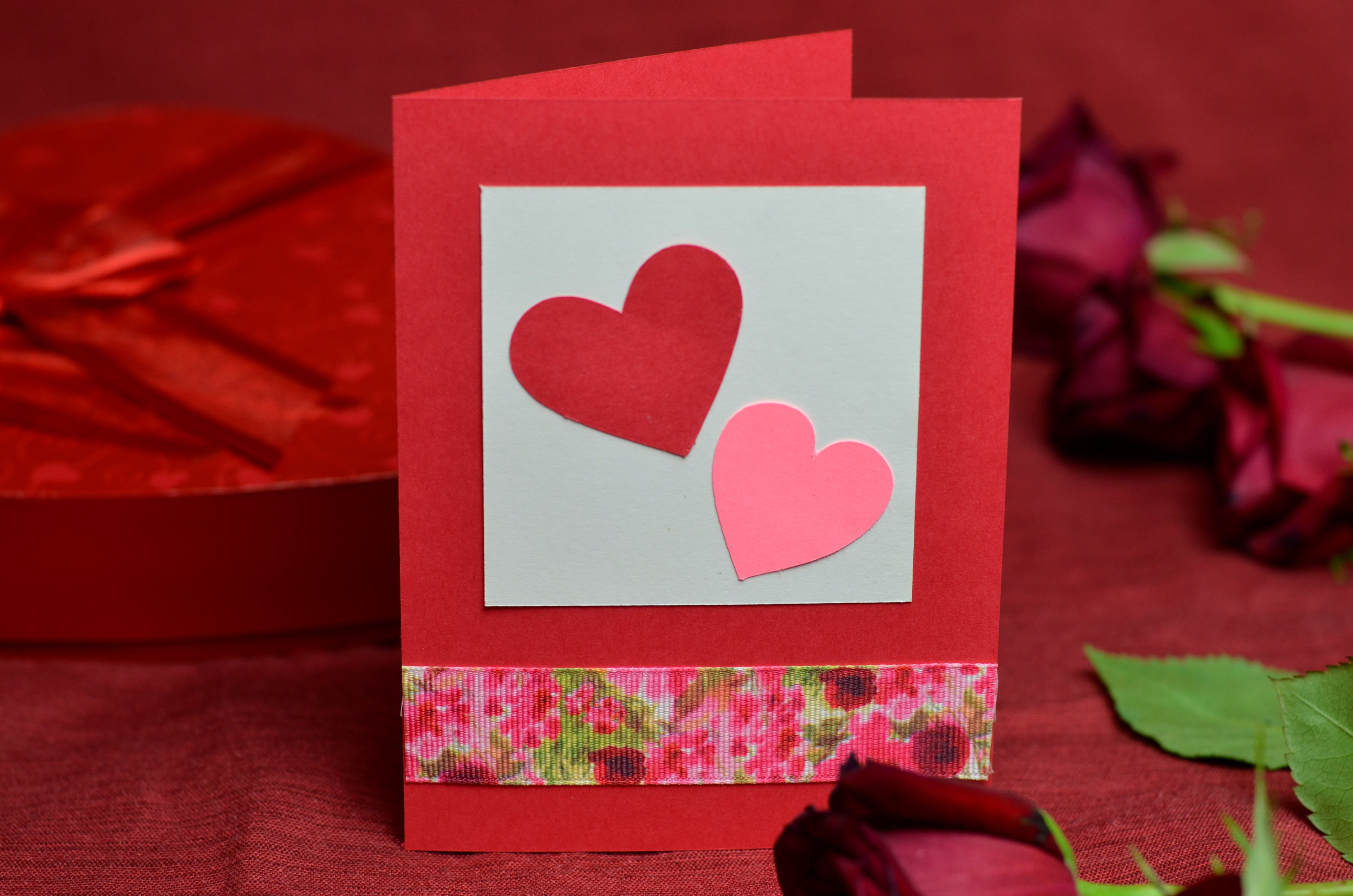 Валентинки своими руками - из бумаги, фетра, конфет - мастер класс с фото и шаблонами - видео уроки