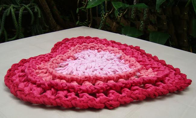 Интерьер валентинов день вязание крючком коврик сердце нитки