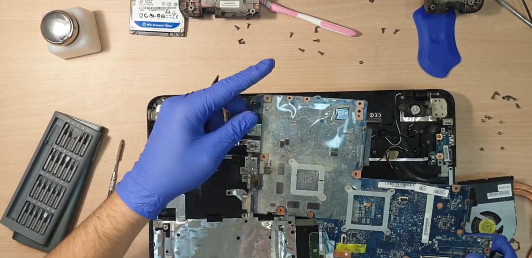 Как почистить ноутбук от пыли в домашних условиях внутри и снаружи