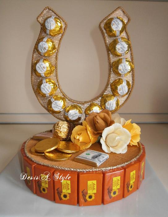 «подкова» букет из конфет, пошаговое изготовление