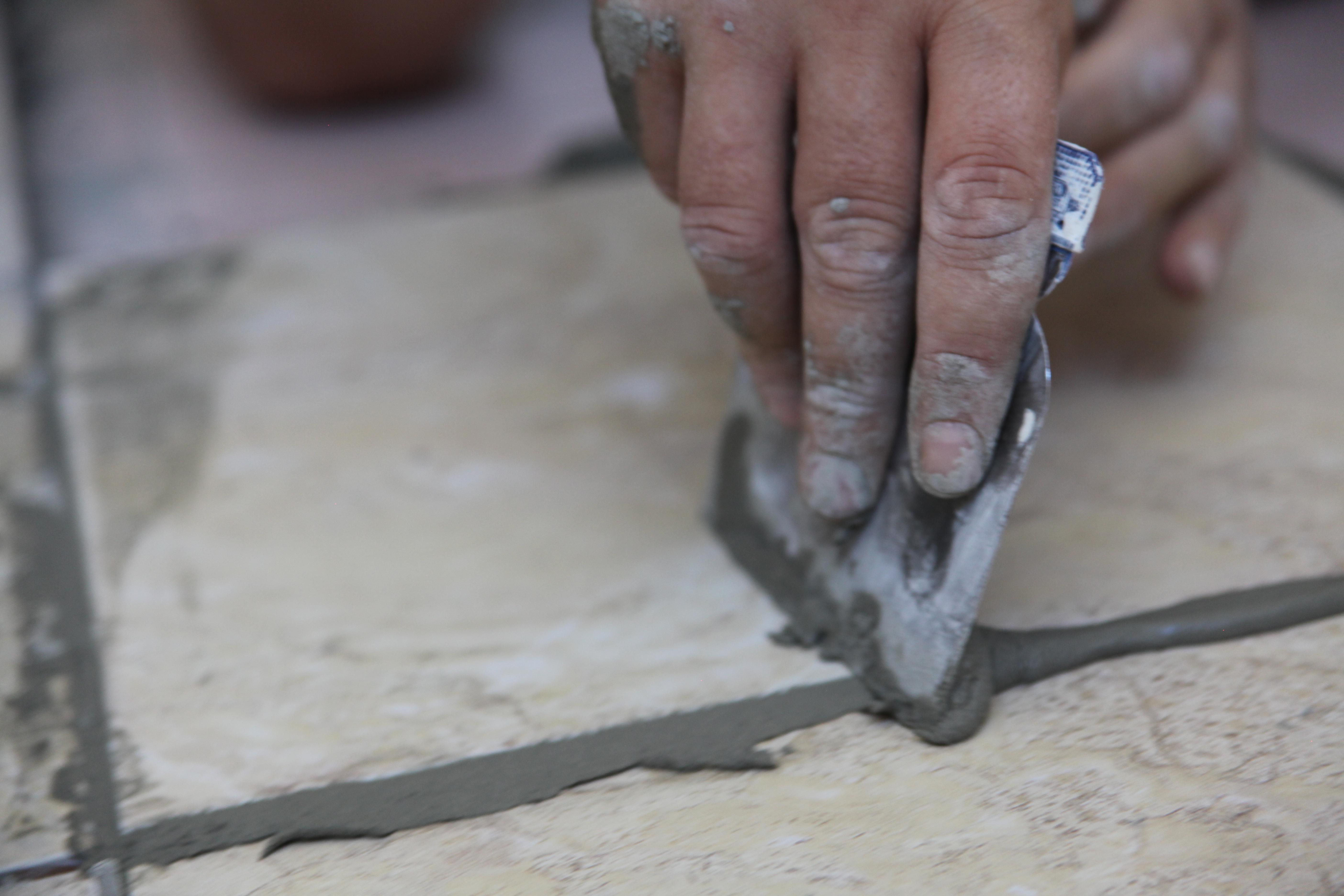 Затирка швов плитки: тонкости выбора и нанесения