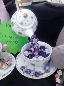 Парящая чашка с цветами из атласных лент. делаем топиарий «парящая чашка» своими руками