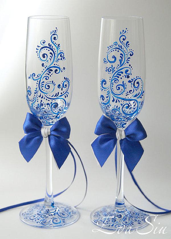 Свадебные бокалы своими руками, популярные методы декорирования