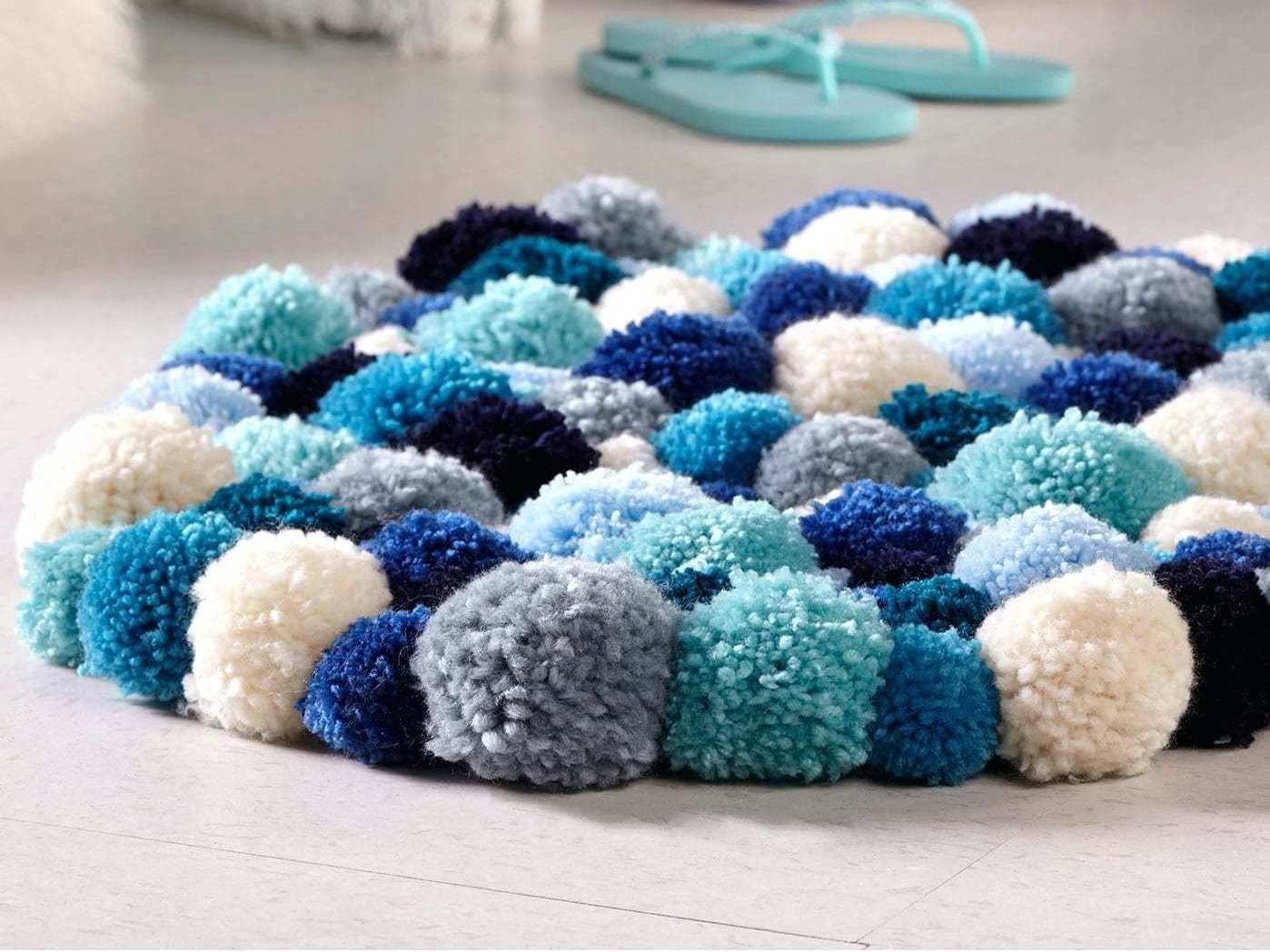 Как ухаживать за ковриком из помпонов. как сделать коврик из помпонов своими руками