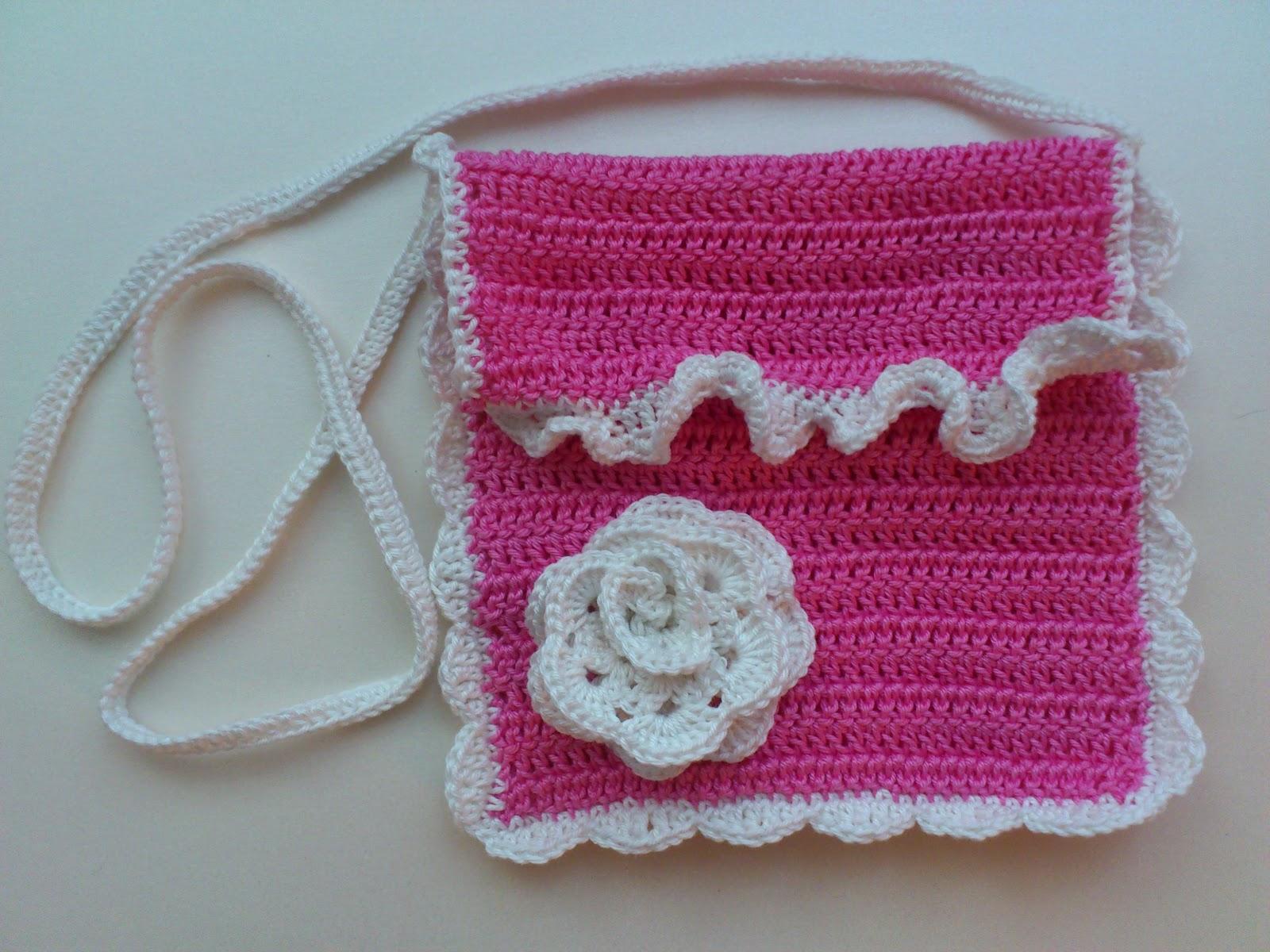 Маленькая сумочка крючком для девочки: необходимые материалы, мастер-класс вязания и последовательность работы