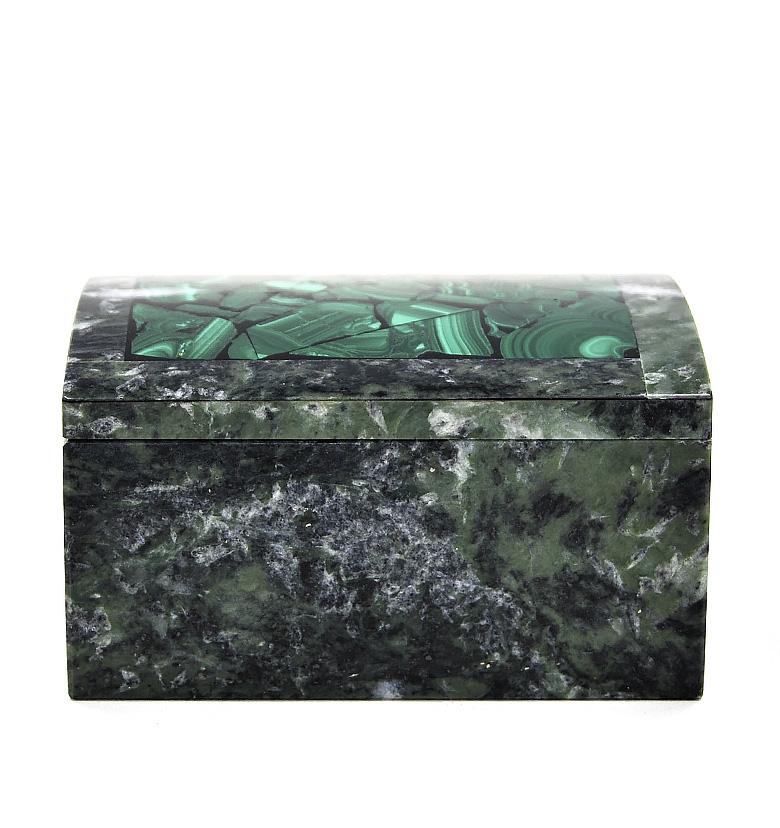 Шкатулки из природного камня.