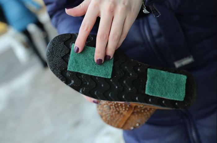 Что сделать, чтобы обувь не скользила зимой?. как сделать обувь нескользкой в домашних условиях?