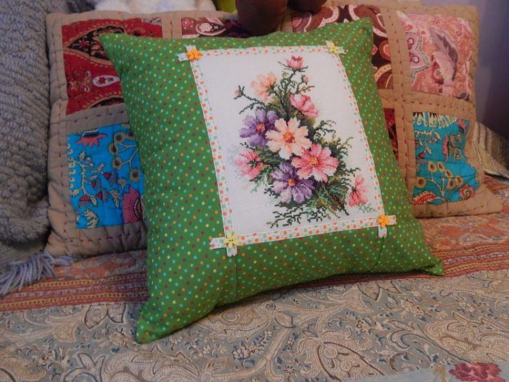 Лоскутные подушки с вышивкой своими руками: мастер-класс, выкройки, студийные фото | крестик