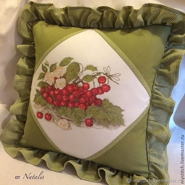 Вышивка крестом подушки и ее оформление