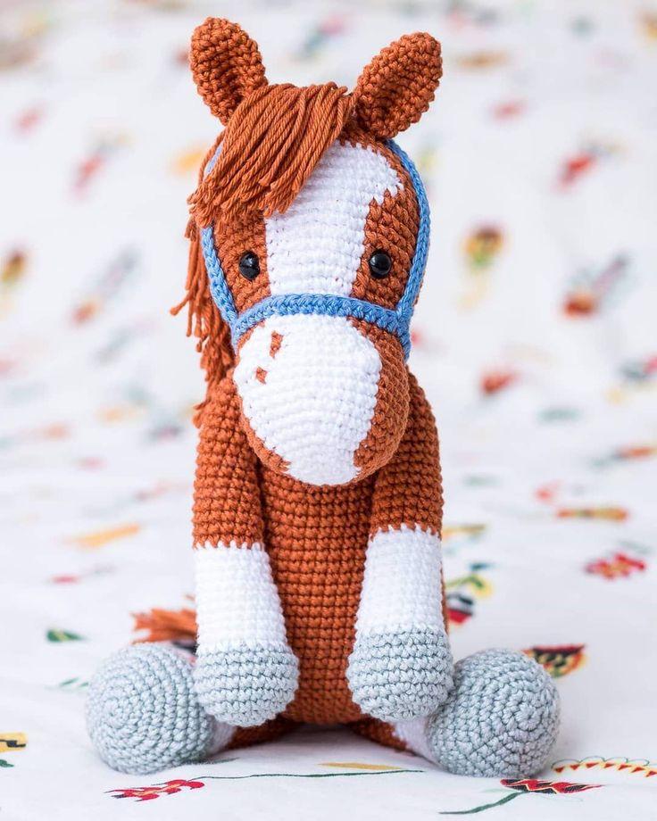 Вязаные лошадки (крючком)